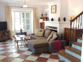 Spacious Family Retreat in Hills Above Marbella!., Benahavís