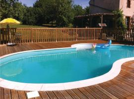 Three-Bedroom Holiday Home in Moutieres sous Argent., Moutiers-sous-Argenton