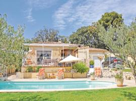 Holiday home Rognac 64 with Outdoor Swimmingpool, Rognac