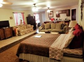 Charming Downstairs Unit, Oakhurst