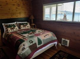 Lakes Edge Escape (Lake Front Cabin), Polson