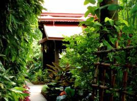 Club One Seven Gay Men Hotel Chiang Mai, Chiang Mai