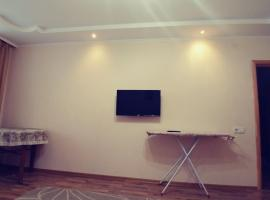 Трёхкомнатная квартира в Евпатории, Yevpatoriya