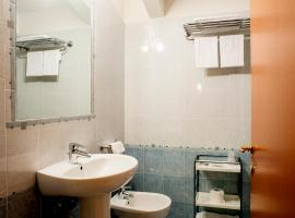 Hotel Ceretto, Busca