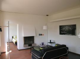 Casa Padovan, Curio