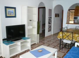 MEDITERRANEAN BEACH APARTMENT 180º SEA & ISLAND VIEWS, Santa Pola