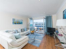 Seaview 2 bedroom apartment Brighton Marina