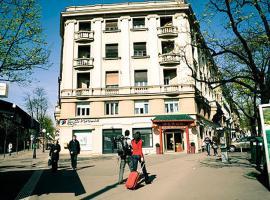 Hostel Day and Night, Zagrzeb