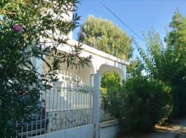 House of 100 m2-50 m from the Beach, Eretria