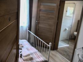 Harmony Hostel, Затор