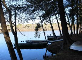 Tuxbury Pond Camping Resort Tiny House Henry, South Hampton