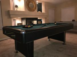 Large 6BR Home Near The Strip and Airport, Las Vegas