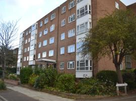 2 Bedroom Apartment In Stratton Court Central Surbiton 5 Stars This Is A Preferred Property They Provide Excellent Service Great Value And Have