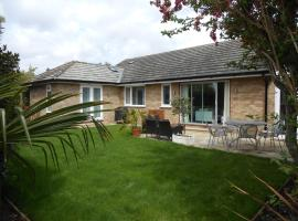 Luxury 4 Bed 3 Bathroom Bungalow , South West of London, The Dapples, Epsom