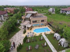 Luxury Mansion, Giuleşti