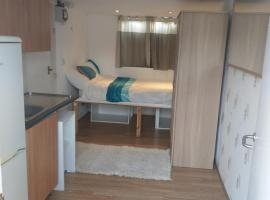 Comfy Double Room Studio, Waltham Cross