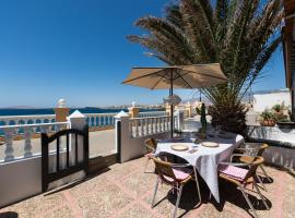 Romantic house, sea views, barbecue, beach, relax, ....., Telde