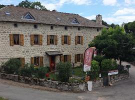 La Pierre Trouée, Châteauneuf-de-Randon