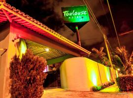 Toulouse Motel (Adult Only), Natal