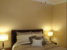 JARVIS West Blvd 3BD Suites B by Edgewater Park & Downtown, Klīvlenda