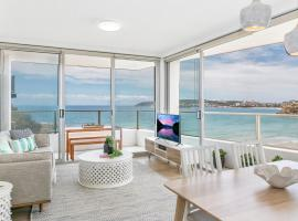 Bright 2-bed overlooking famous Freshwater Beach, Freshwater