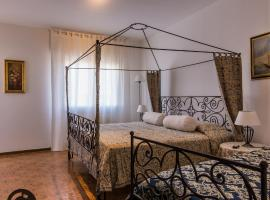 COZY LARGE APARTMENT NEAR PADOVA/ABANO MONTEGROTTO TERME AND NATURAL AREA, Torreglia