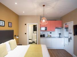 Room 2 by Lamington, Londra