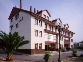 Hotel Piedra, Perlora
