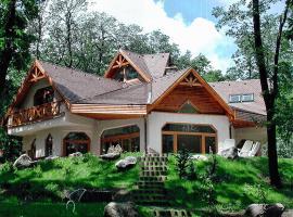 Villa House, Dobogoko