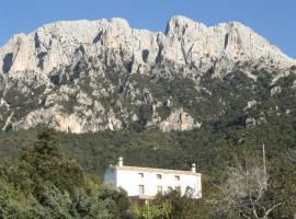 Villa Sospisches Oliena, Oliena