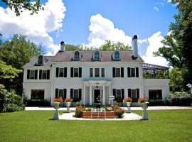 Melange Bed & Breakfast, Hendersonville