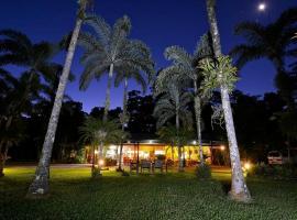 Lync Haven Rainforest Retreat, Diwan
