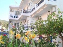 Akrogiali Hotel, Скала