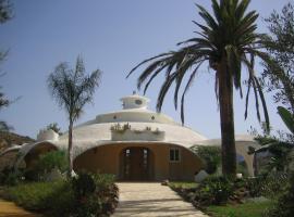 Villa el Oasis, Монда