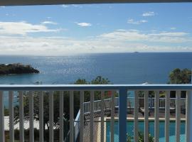 Paradise Cove Ocean Front Villas and Suites, 나사렛