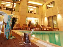 Nafs Hotel, Návpaktosz