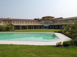 Hotel Motel Gold, Calcinate