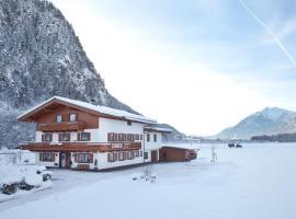 Gästehaus Luxner, Strass im Zillertal