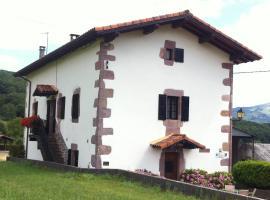 Casa Rural Eguzkialde, Maya del Baztán