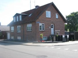 Mom's Bed & Breakfast, Herning