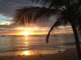 Tropical Sunset Beach Apartment Hotel, Saint James