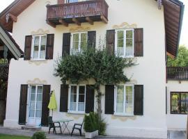 Villa Waldfrieden - Ferienwohnungen und -Haus, Kochel