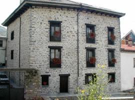 Apartamentos Casa Isabale, Biescas