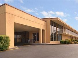 Super 8 Downtown Airport