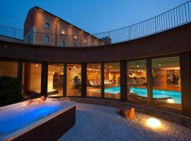 호텔 베로네시 라 토레 , 도소부오노