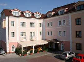 Hotel Tilia, Bazin