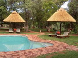 Bateleur Tented Safari Lodge & Bush Spa, Overyssel