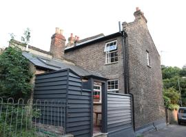 Enchanting Victorian Cottage, Londen