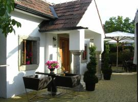Romantikchalet, Breitenbrunn
