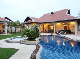 The Chase & Foxlea Villas, Bang Lamung